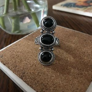 Black 3 Stone Ring On Silvertone Band 10